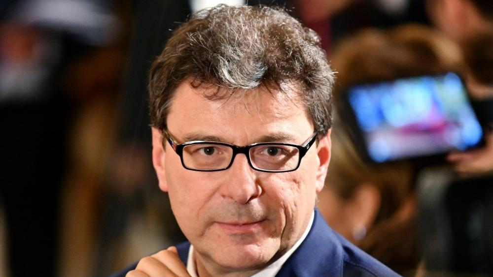 Giorgetti sieht in der Olympia-Bewerbung keine Zukunft © SID / ALBERTO PIZZOLI