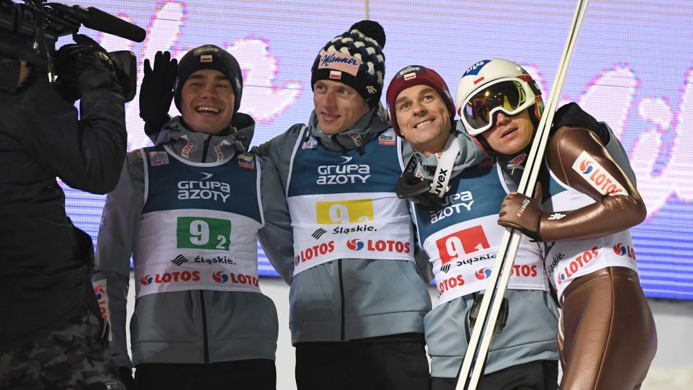 Sieger im Mannschaftsspringen: Polen © APA/afp / JANEK SKARZYNSKI