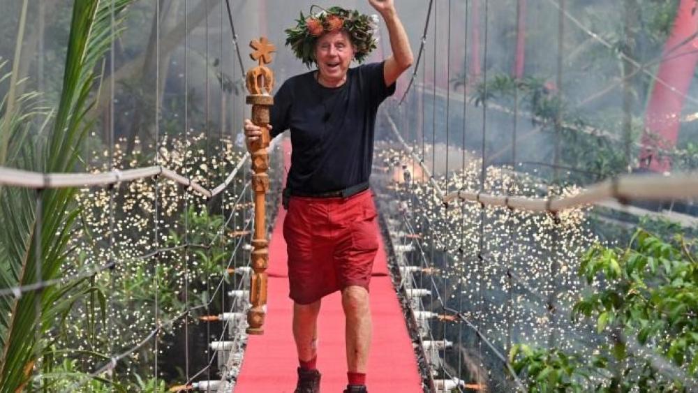 Trainer Legende Gewinnt Britisches Dschungelcamp England