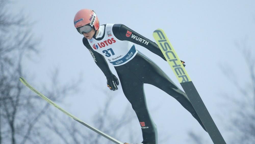 Skispringen: Karl Geiger gewinnt in Engelberg © PIXATHLON/SID