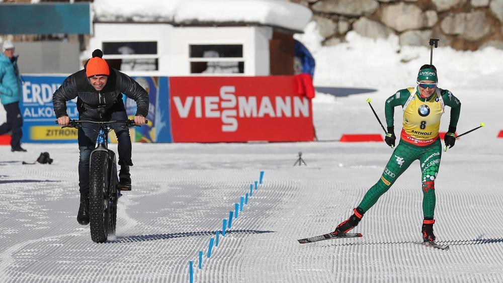 Video Kurioses Duell In Antholz Wierer Fordert Rad Champ