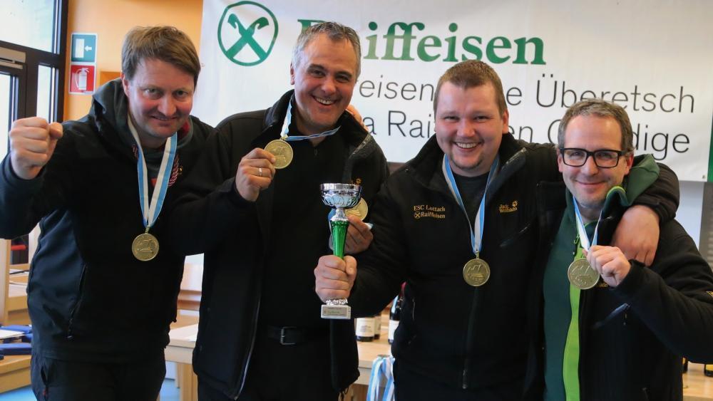 Siegreich: Das Team aus Luttach.