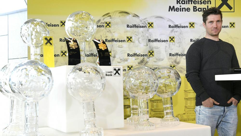 Kugeln, Medaillen und Marcel Hirscher © APA / HANS KLAUS TECHT
