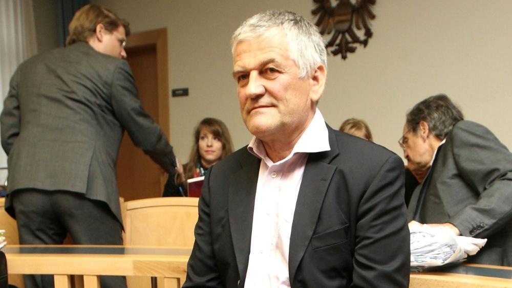Walter Mayer steht in Innsbruck vor Gericht. © SID / DIETER NAGL