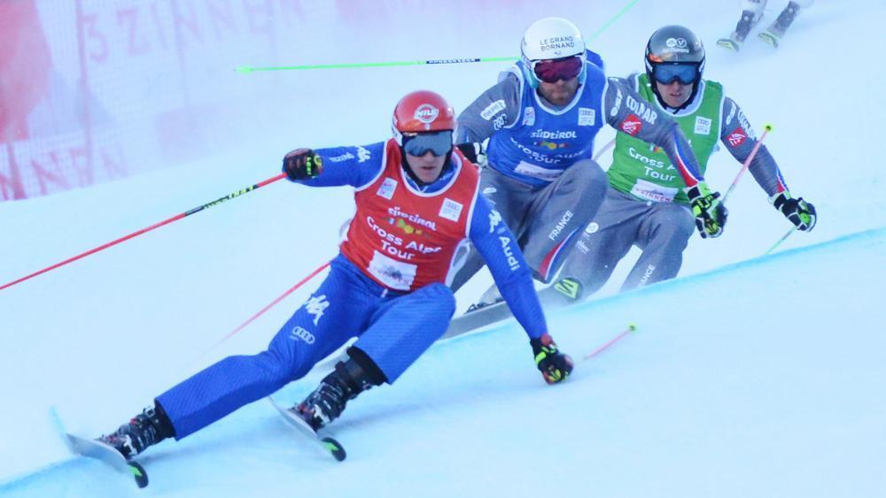 Skicrosser Siegmar Klotz (ganz vorne) hat sich wieder eine schwere Beckenfraktur zugezogen. © CT