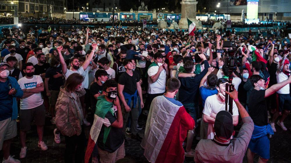 """""""Viva l'Italia"""" – """"ein Spektakel"""" – """"Türkei überrannt"""": Italien feiert"""